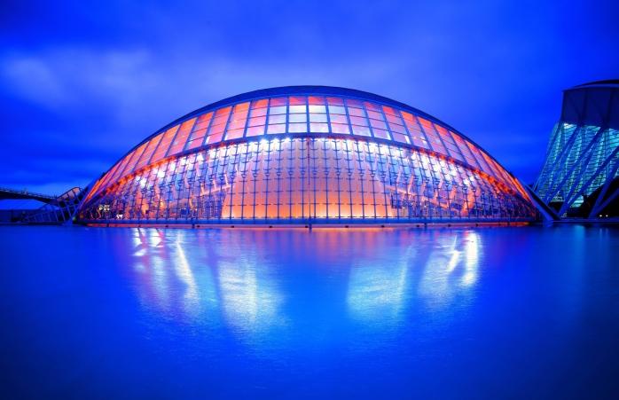 İspanya'da gezilecek yerler- Calatrava ve Félix Candela tarafından tasarlanan Ciutat de les Arts i les Ciències, İspanya'nın en büyük mimari başarılarından biridir.