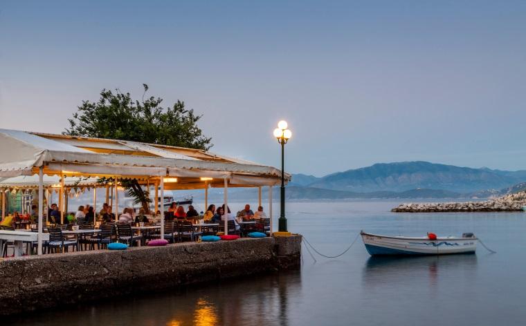 Karşı kıyıdan haber var: Yaz tatili için göz kamaştıran Yunan adaları