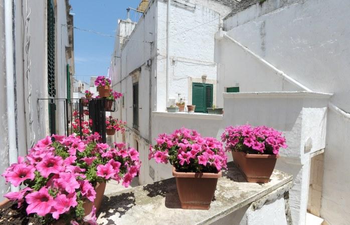 Puglia gezilecek yerler- Locorotondo, Italya