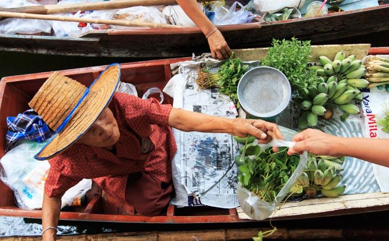 Dünyanın dört bir yanından ilginç gelenekler: 23 ülke, 23 farklı gelenek